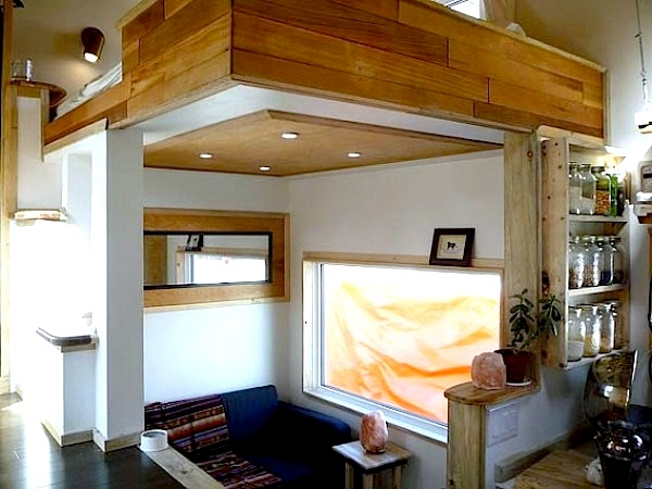 18 Pictures Of Unique Houses On Wheels : Leaf House On Wheels Interior View