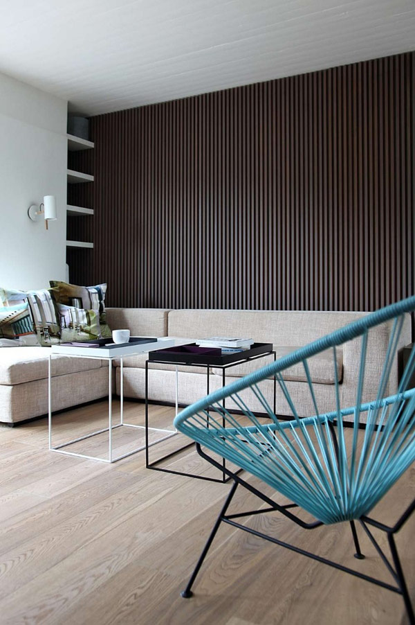 Beauty Details Of Contemporary Greek Penthouse: 17 Images : Living Room Couch And Wire Chairs