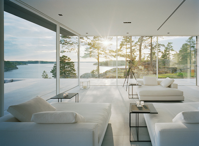 Comfortable Modern Lake House Comes With The Interesting Design: Living Room Modern Lake House