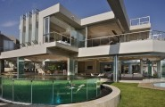 Beautiful Extra Luxurious Home In Your Mind : Luxurious Home With Glazed Pond