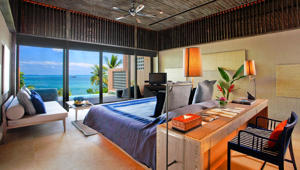 Poolside Bedroom: Waking Up In The Ocean : Luxury Bedroom Design