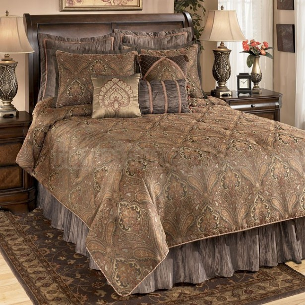 Ethnic Moroccan Bedspread Delivers More Alive And Cheerful Nuance: Luxury Classic Bedroom Design Beautiful Moroccan Bedspread Style ~ stevenwardhair.com Bedroom Design Inspiration