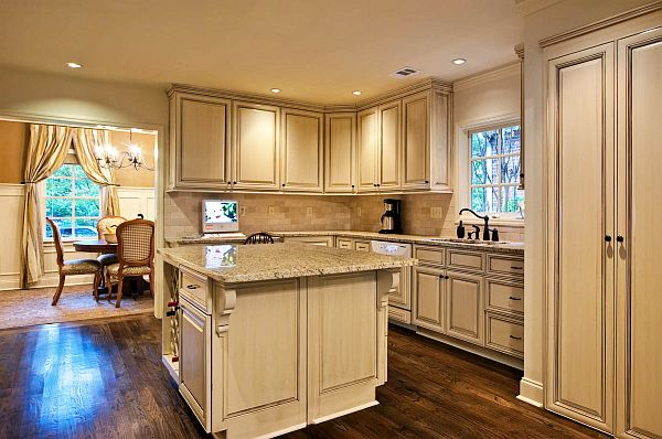 Top Kitchen Remodel Considerations Before Doing The Makeover: Luxury Kitchen Design Countertop Remodel