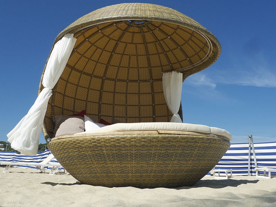 Comfortable Cocoon Bed For Beach Daybed: Luxury Lounge Daybed From Cocoon Chair Furniture With Brown Exterior Style