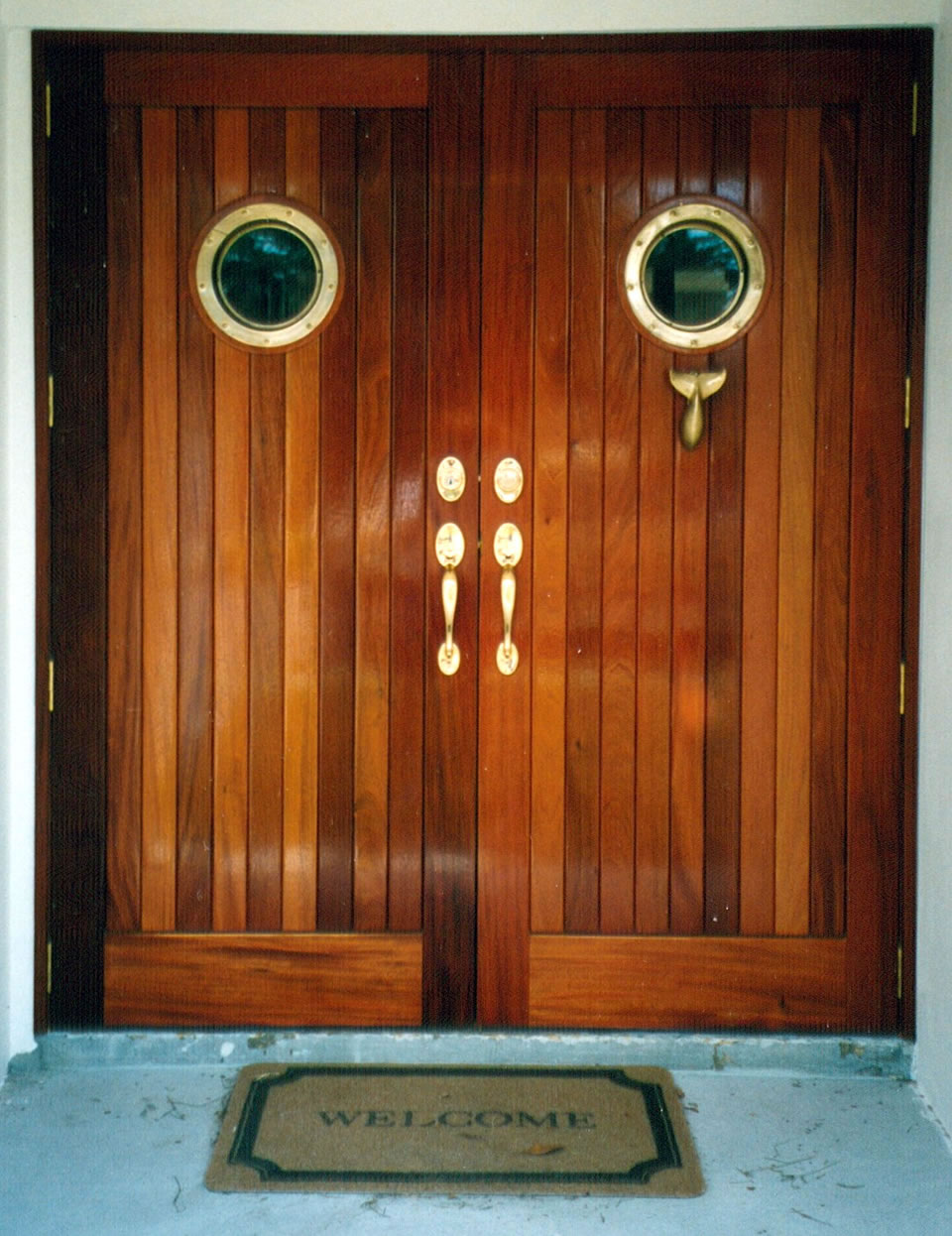 Wood Doors: Simple But Enchanting: Mahogany Wooden Doors