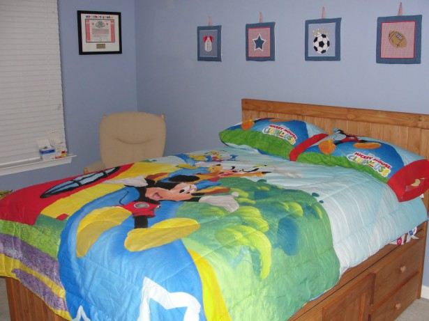 Cute Mickey Mouse Clubhouse Bedroom For Your Lively Kids: Mickey Mouse Clubhouse Bedroom Theme ~ stevenwardhair.com Bedroom Design Inspiration