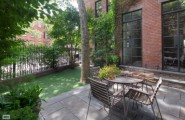 Warmth Homey Apartment In The Big Apple : Minimalist Outdoor Sitting Furniture New York Home For Sale