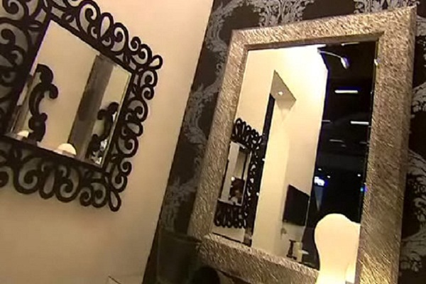 Wall Mirrors For Living Room: Doing It Right: Modern Home Decorative Wall Mirrors