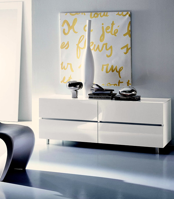 Italian Modern Bedroom Furniture With Aesthetic Drawing: Modern Lacquer Chest Of Drawers