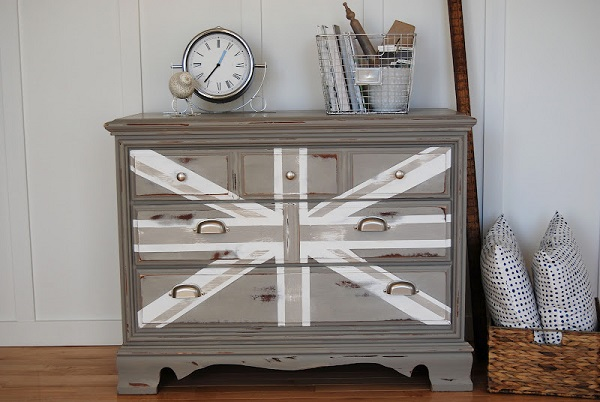Fabulous Diy Decor Inspirations You Can Do By Yourself: Monochromatic Gray And White Union Jack Dresser And Alarm Clock