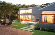 Great Modern Landscape Idea Comes With The Amazing Scenery : Neatly Landscaped Backyard