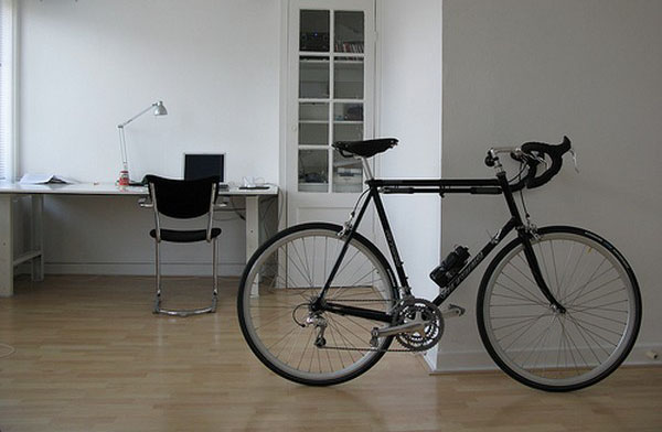 Bike Storage Ideas For Small House : Office Room Simple Chair Montain Bike Table Lamp