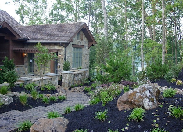 9 Designs Of Outdoor Space With Colored Mulch : Outdoor Home Mulch Dark Color