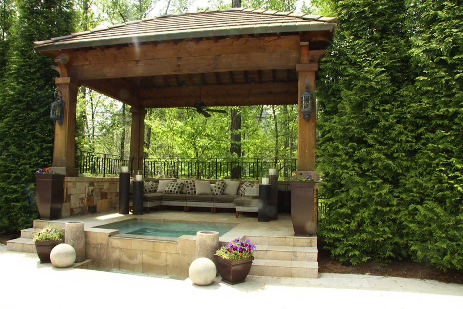 House And Interior Design: The Inspiration : Outdoor Living Areas As Comfortable Family Favorite