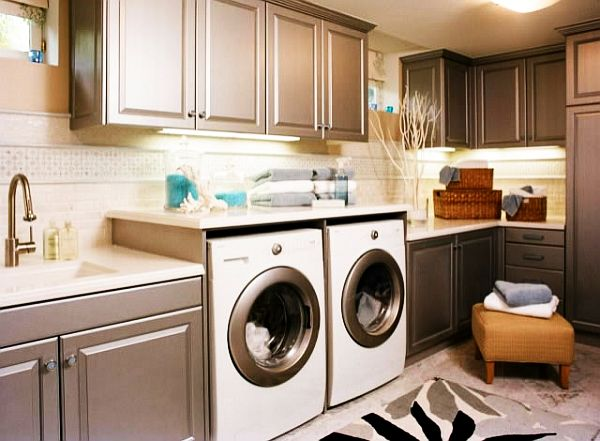 Functional Basement Laundry Room Ideas With Elegant Neat Arrangements: Painted Laundry Room Cabinets With A Matte Finish