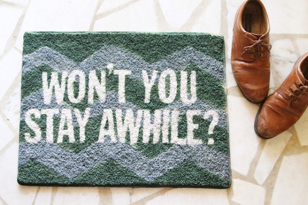 Amazing DIY Welcome Mats: Saying Hi Warmly: Painted Welcome Mat With White Words