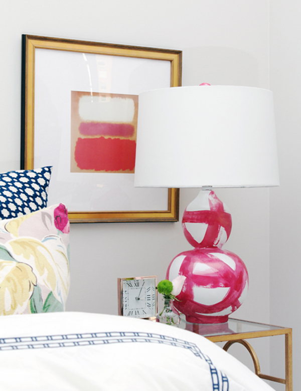 DIY Modern Lamp Design Comes With The Amazing Idea: Pink And White Brushstroke Lamp Base