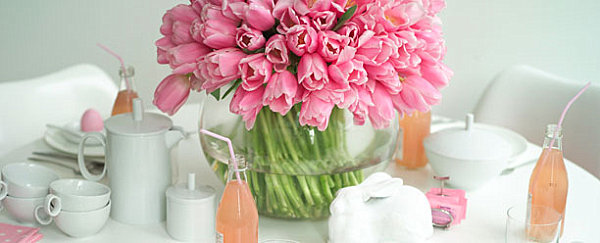 Cheerful Easter Table Settings: 10 Charming Design Ideas: Pink And White Easter Table