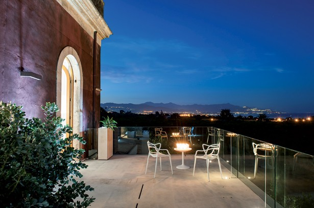 Top Historical Fragments With Modern Design In Sicily: Powerful Patio Design With Minimalist Furniture And Glass Fence Decoration ~ stevenwardhair.com Architecture Inspiration