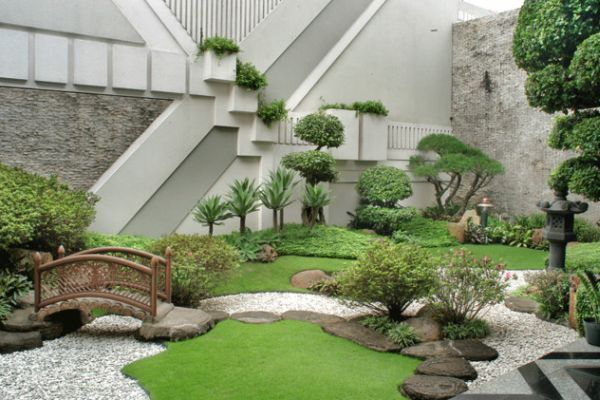 28 Fascinating Japanese Garden Design Ideas: Refreshing Little Garden Borrowing Heavily From The Japanese Motif