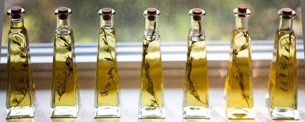 Summer End Party For Unforgettable Moment : Rosemary Infused Olive Oil Decorated The Wall And Window