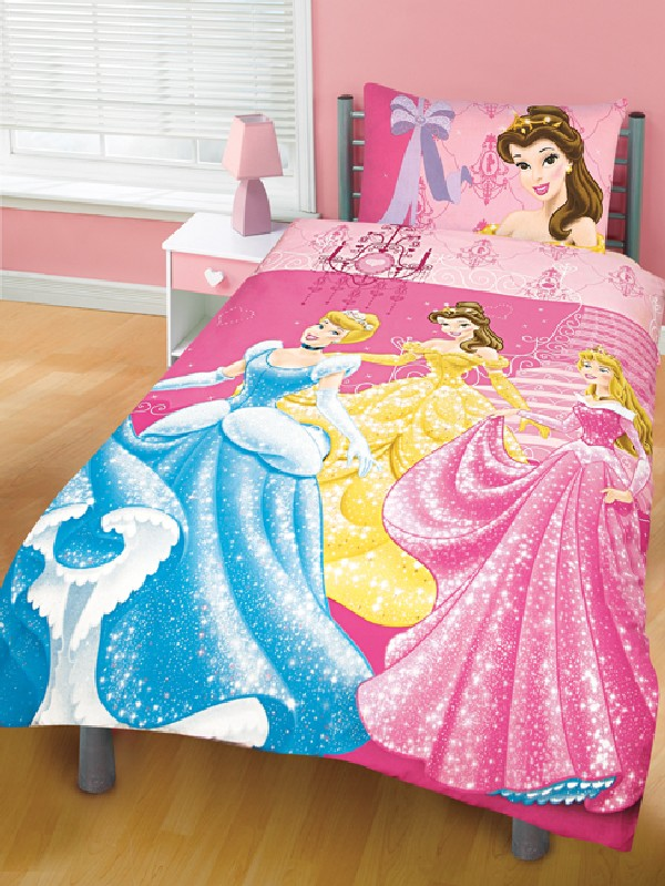 Sweet Princess Comforter With Smooth Comfortable Design: Royal Disney Princesses For Your Little Girl
