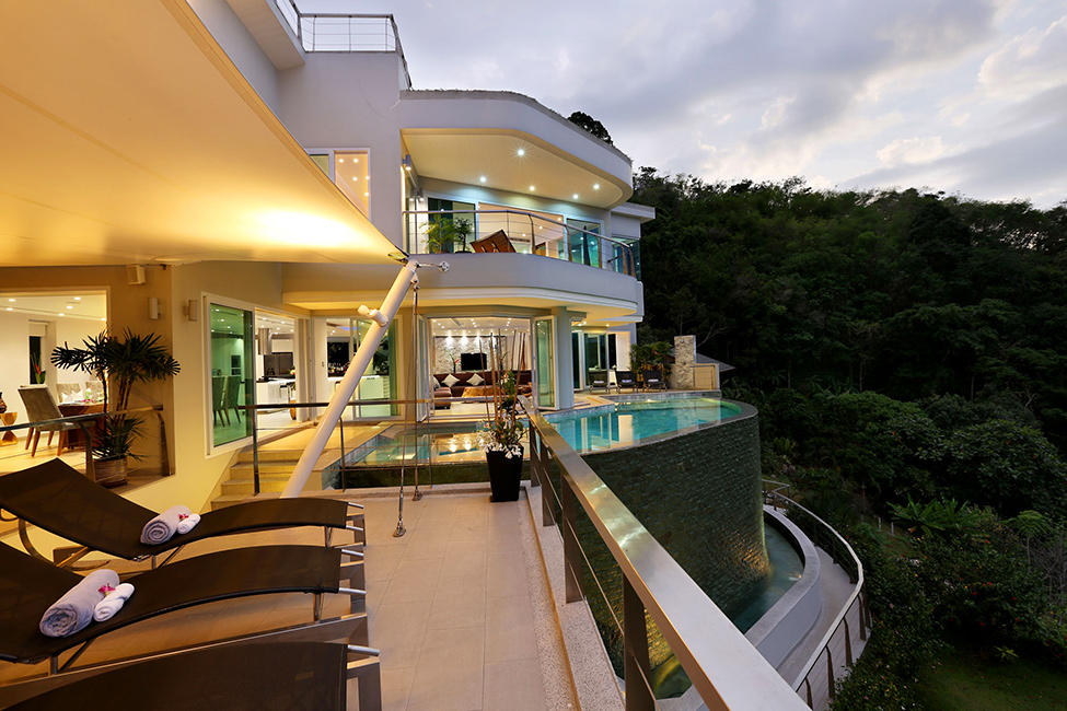 Awesome View Of Natural Villa In Phuket : Sensational Exterior Villa Beyond Design With Modern Pool And Outdoor Furniture