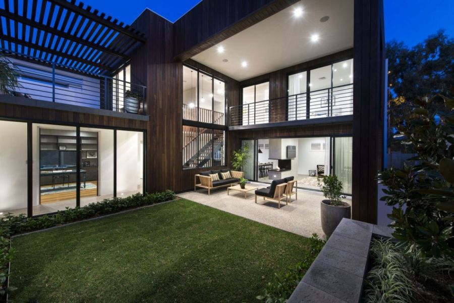 Amazing Minimalist Residence With A Sizzling Courtyard : Sensational Glass Windows Connect The Interiors With The Courtyard