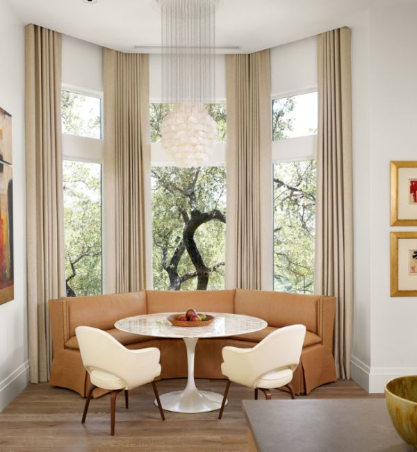 Unique Mid Century Chairs With Cozy And Charismatic Design: Sensational Saarinen Tulip Table And The Executive Armchairs Add Glamour To The Modern Dining Room