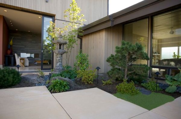 28 Fascinating Japanese Garden Design Ideas : Small And Compact Japanese Corner Garden Offers An Exquisite And Polished Appearance
