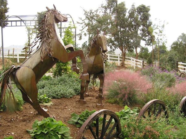 Garden Art Design Inspirations: 37 Astounding Ideas : Stunning Horse Sculptures Make A Fascinating Addition To This Distinctive Garden