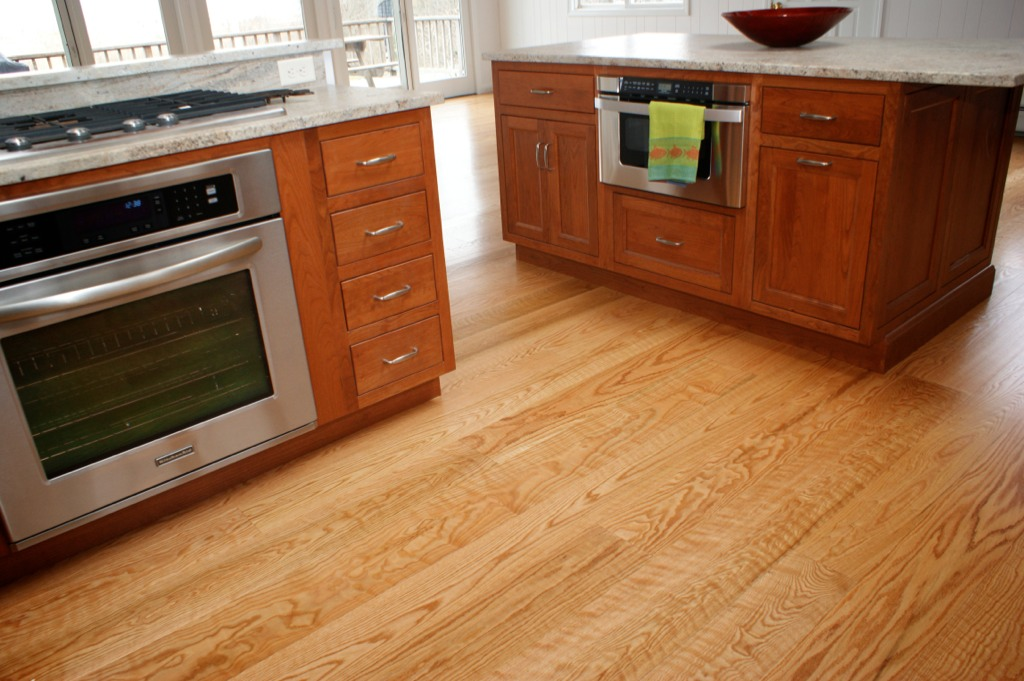 Flexible Red Oak Flooring For Any Theme Of Your House : Stunning Modern Select Curly Red Oak Flooring Wooden Style
