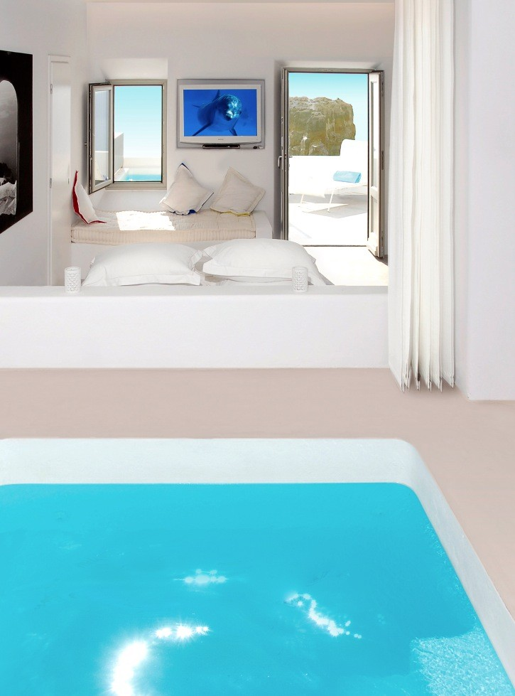Elegant Hotel With Pool In Room Design Ideas: Stunning Modern Style Santorini Grace Hotel With Pool In Room