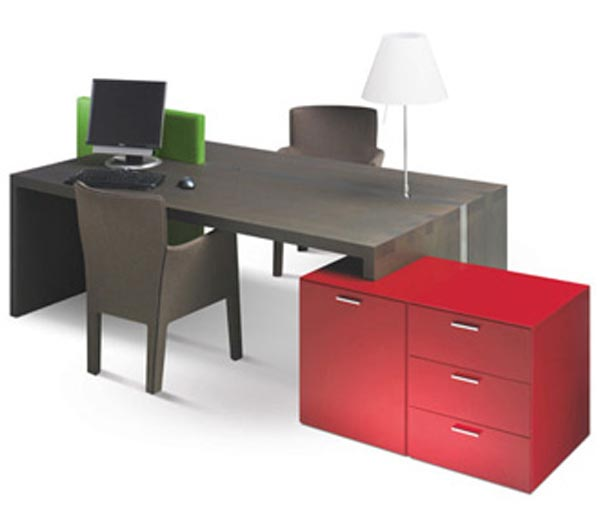 Creative Ideas Home Office Furniture, Be Comfortable : The MeMo Office Desk With Red Shelves