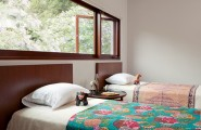 Exciting Living Space In Los Angeles With Amazing Environment : Traditional Bed