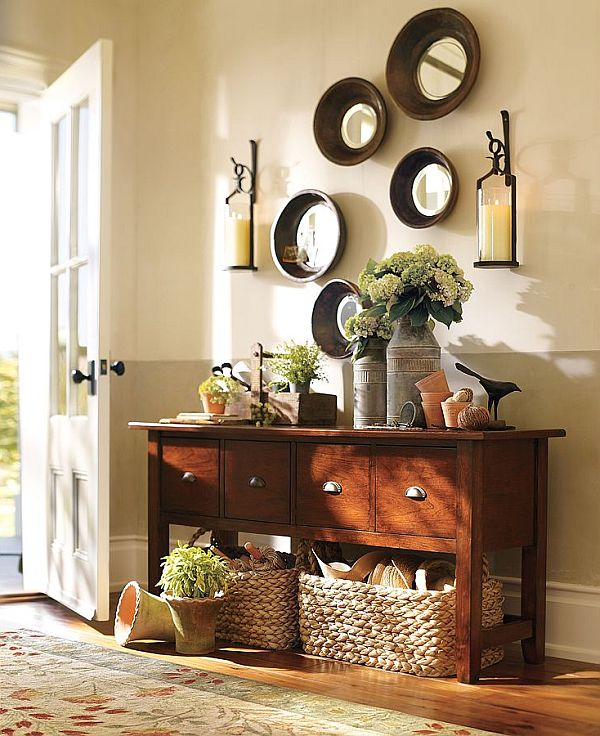 Most Unforgettable Spaces To Adorn In You Home: Traditional Entryway Design