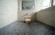 Japanese Bathroom Design: Traditional Touch In Modern Lifestyle : Traditional Japanese Bath With Beautiful Pebble Stone Flooring