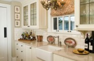 Sparkling Kitchen Cabinet Designs With Glass Doors : Traditional Kitchen Design With Lovely Lighting And Classy Cabinets