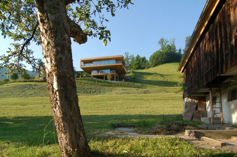 Extraordinary Minimalist Wood House Around Natural Environment : Two Level Wooden Home With Green Natural Surroundings