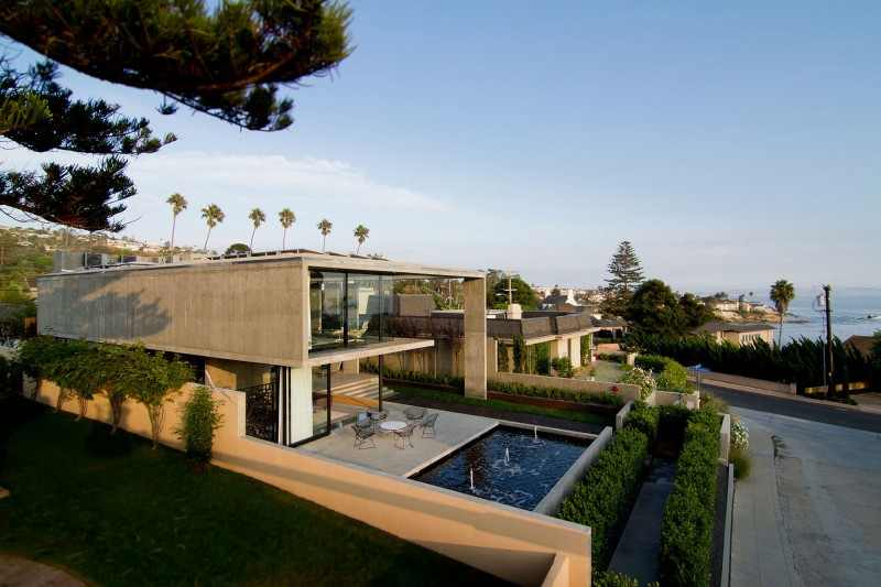 Great Modern House Design With Luxurious Plan Ideas: Unique Cresta Residence With Irregular Shape And Contemporary Style