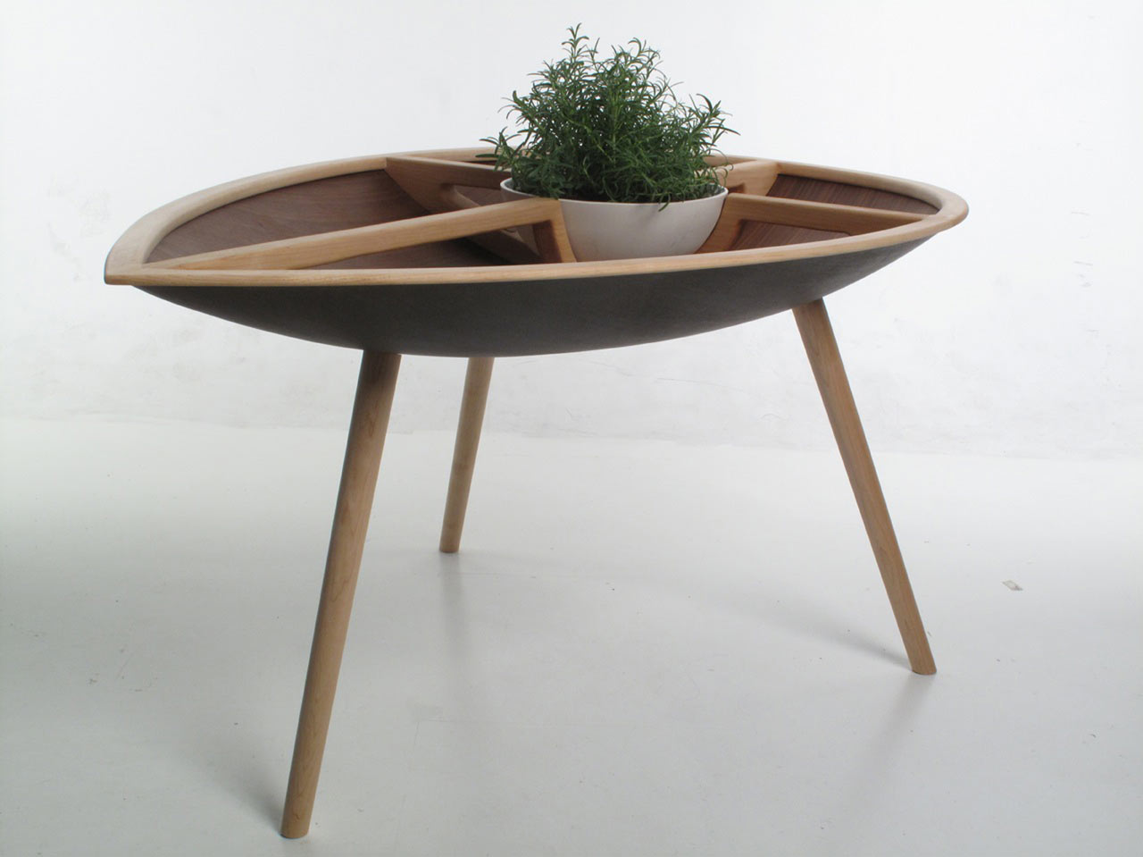 Intriguing Table And Chair Made From Well Done Handcraft Project : Unique Spire Table With Green Plant Growing In A Bowl