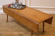 Beautify Your Home With Aesthetic Narrow Coffee Table : Vintage American Maple Country Style Drop Leaf Coffee Table