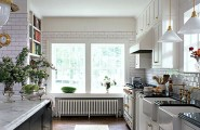 Wonderful Kitchen Decor To Make It As Attractive Vocal Point In The House : White Kitchen With Fancy Details