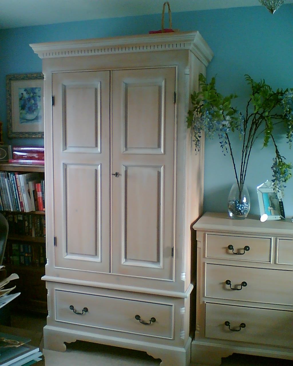 Excellent White Washed Furniture For Your Aesthetic Home : White Washed Furniture