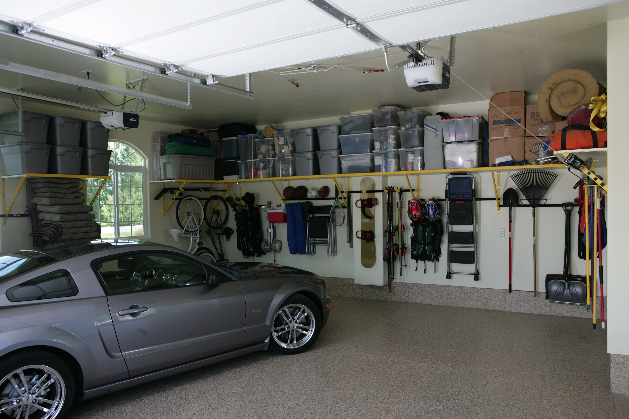 Garage Shelves Is A Simple Way To Save Your Tools: Wonderful Modern Storage Organization Garage Shelves Design Ideas