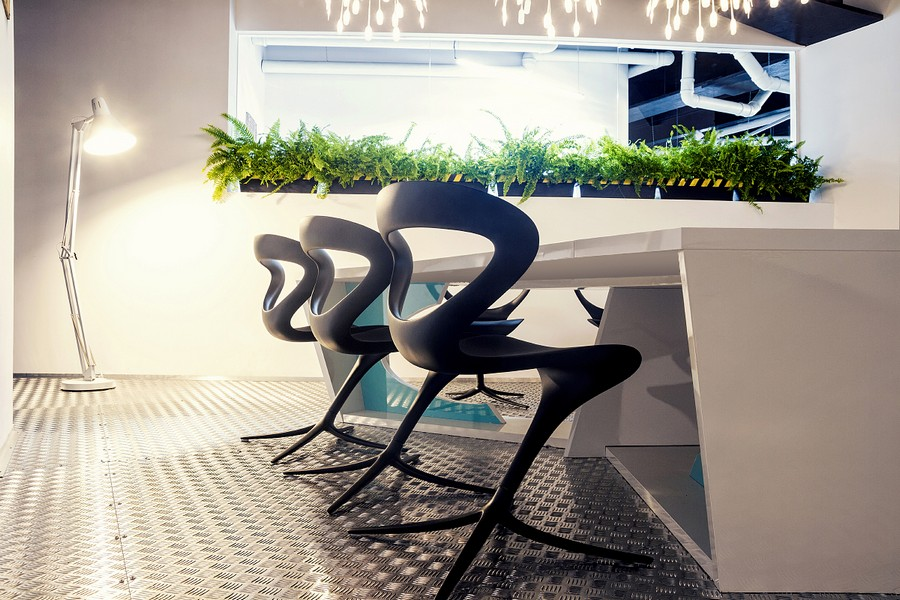 Wonderful Modern Office Design With White Pipes Exposed: Wonderful Potted Plants Inside A Modern Office Design With Bright Furniture